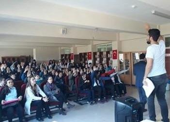 ÇAYCUMA'DA 'PARAMI YÖNETEBİLİYORUM' FİNANSAL OKURYAZARLIK EĞİTİMİ VERİLDİ